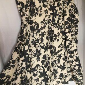 Skirt beige and black flower print